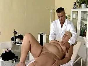 Plump granny sucking appetizing cock of doctor