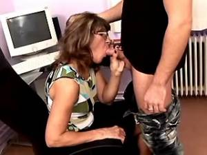 Man greedily licks and hard fucks skinny grandma