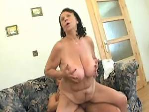 Plump old whore gets cum after hard fuck