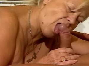 Granny nastily pounded by young doc