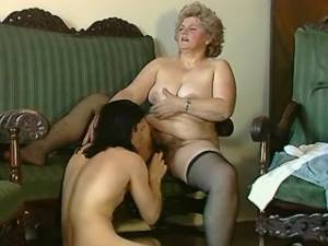 Plump grandma screwed and gets jizz