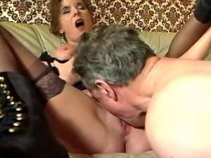 Man licks out wet pussy of granny in stockings