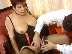 Lusty mature with huge boobs didofucked by dude