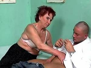 Granny sucks strong cock of doctor in hospital