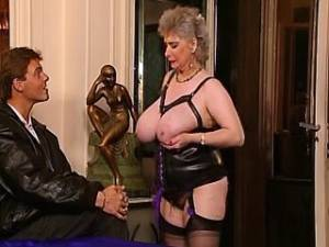 Granny in stockings sucks strong cocks by turns