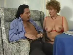 Guy drills plump granny with hairy pussy on table