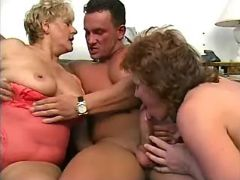 Lusty old ladies have fun with guys